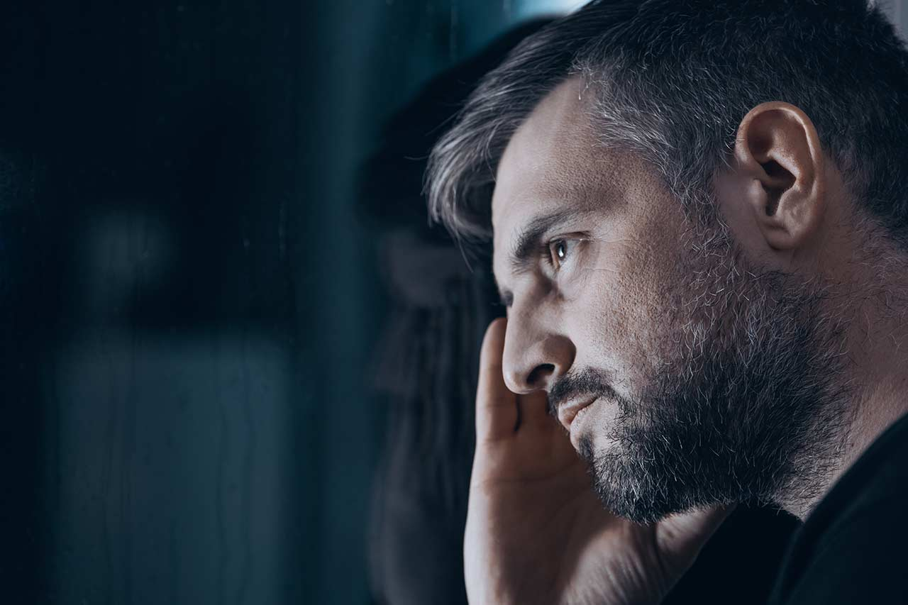 man suffering from benzodiazepine withdrawal